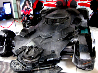 Batmobile Batman vs Superman 22